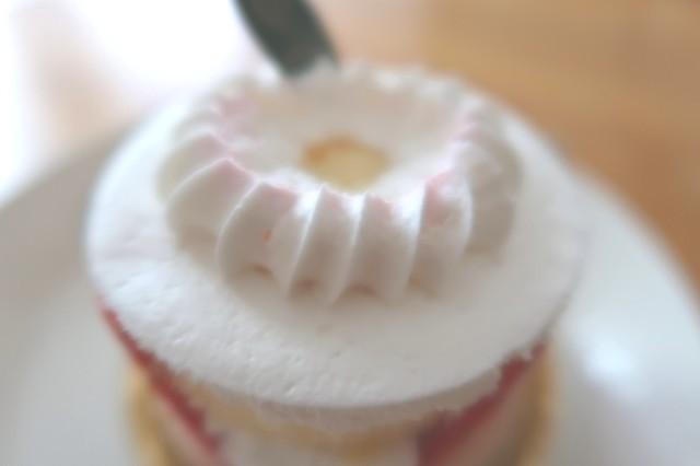 丈夫のイチゴを食べた後のケーキの様子