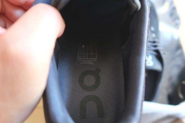 新品の靴の匂い