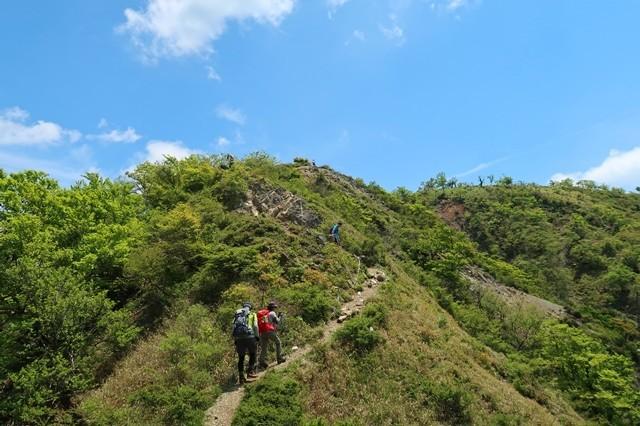 鬼ヶ岩の登り登山道