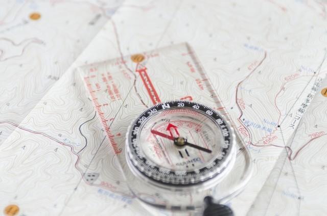 登山計画の立て方と登山計画書の作り方に必要な地図コンパス
