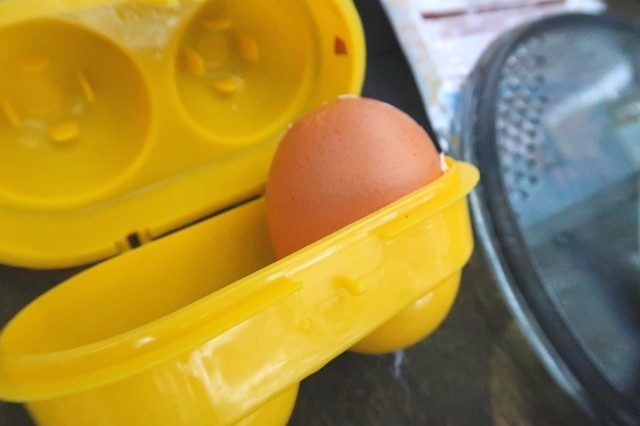 ラーメンの汁の一品生卵