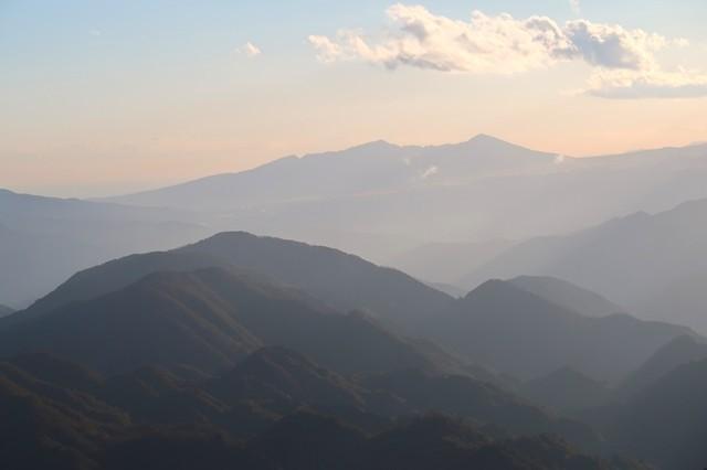 丹沢山から愛鷹山の景色
