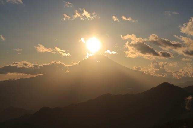 富士山と太陽が重なりそう