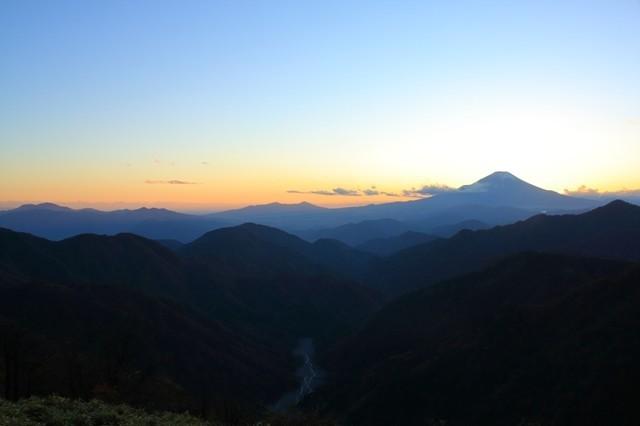 丹沢山から塔ノ岳富士山の絶景スポット