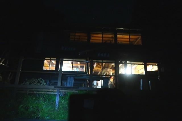 夜の見晴茶屋風景