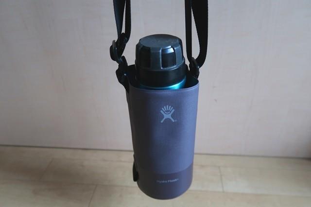 山専用ボトル水筒入れに入れた状態