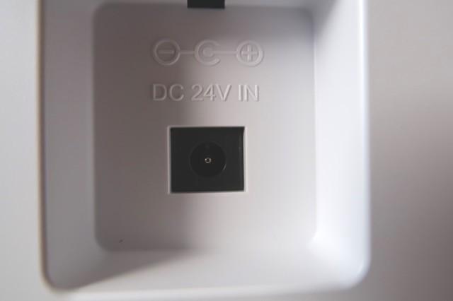 除菌加湿器の電源端子