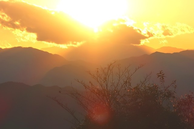 高尾山のダイヤモンド富士になる少し前の富士山の様子