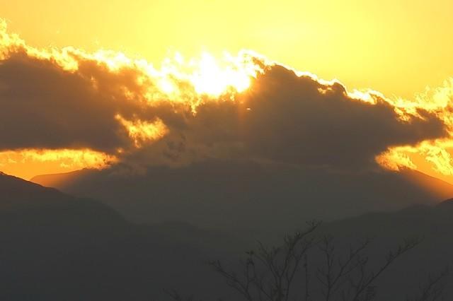 高尾山のダイヤモンド富士の時間