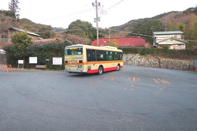 日向薬師のバス停