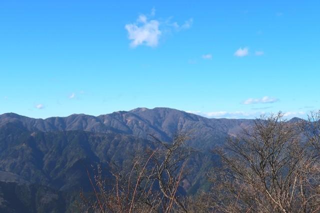 大山から丹沢山、蛭ヶ岳の景色