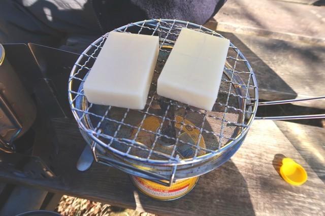 ミニロースターで切り餅3個は焼けそうな感じ