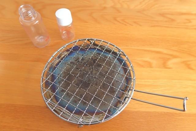 お餅を焼くのに必要な焼き網(ロースター)