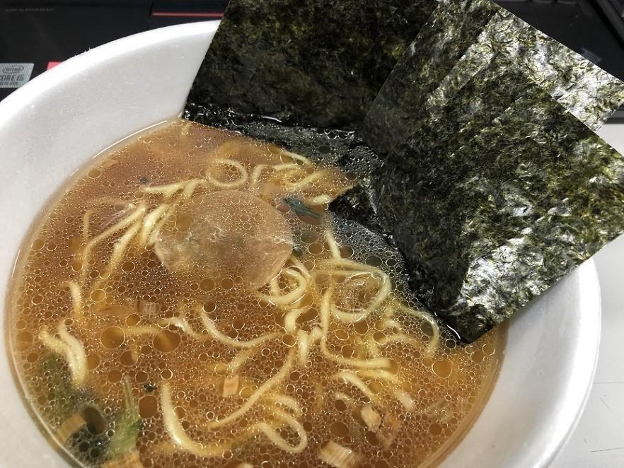 横浜家系とんこつ醤油ラーメンの海苔