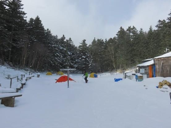 雪山でテント泊積雪で水を作る!