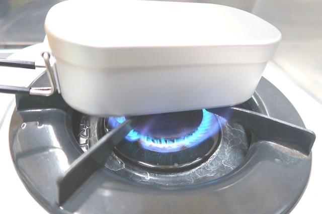 ダイソーのメスティンで炊飯する時の火力の様子