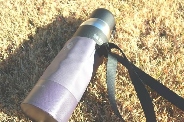 スタンレーの水筒を水筒ホルダーに入れて散策した時の様子