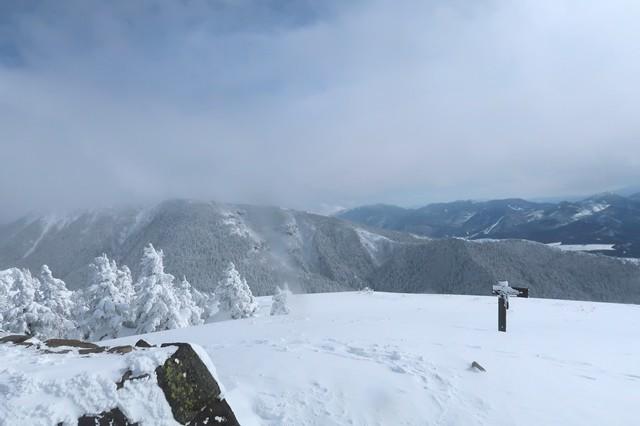 根子岳の山頂360度の大展望