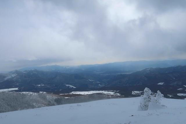 根子岳の山頂から見る北アルプスの山並み