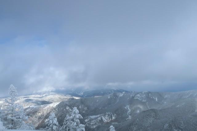 根子岳周辺は明峰が多く素晴らしい景色が広がる