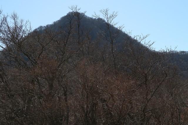 金時山結構な急坂な登山道の様子