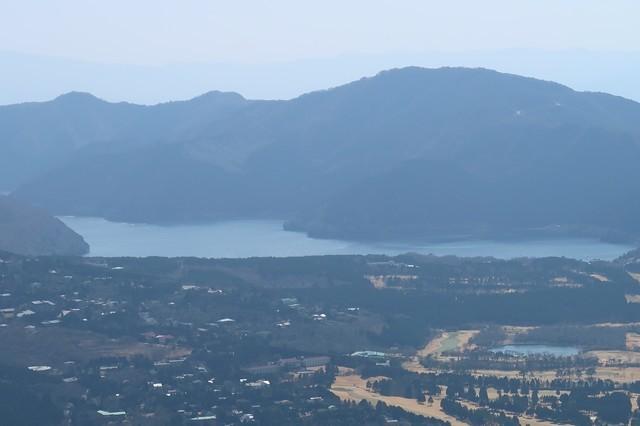金時山から見る芦ノ湖アップ