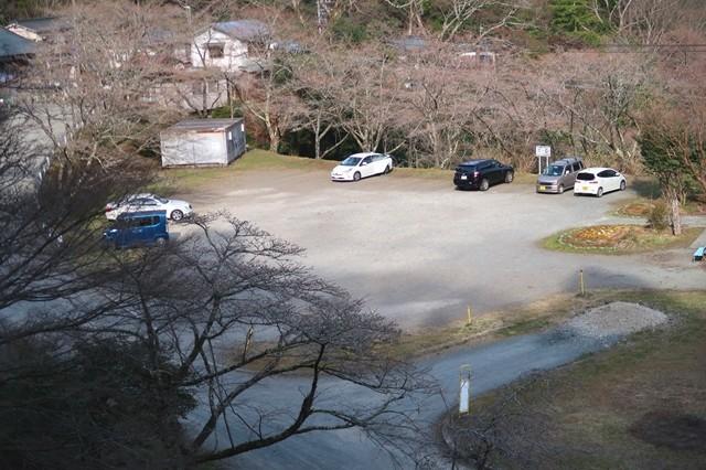 地蔵堂の駐車場