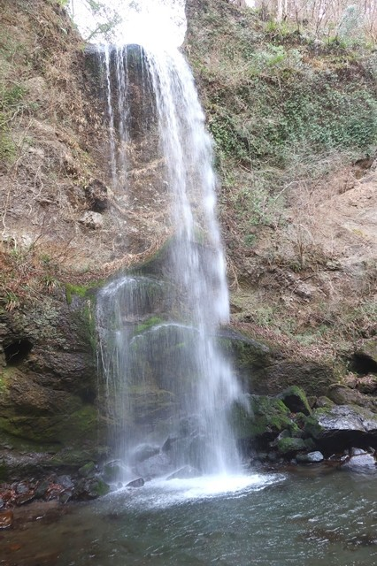 夕日の滝滝行をする場所