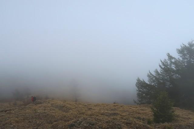 雲取山周辺の天気はガス