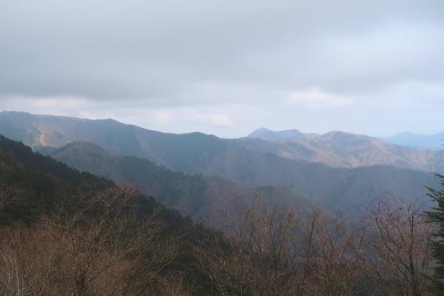 北天のタルからヨモギ尾根の景色