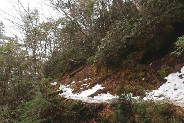 飛龍山直下の登山道の凍結