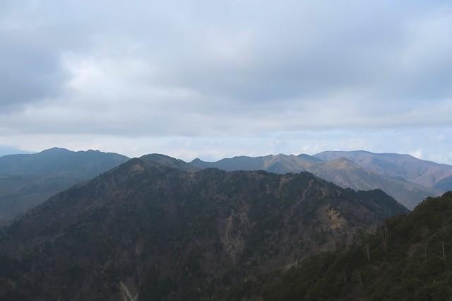 禿岩から和名倉山景色