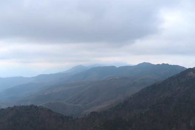 禿岩から唐松尾山景色