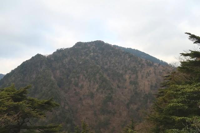 岩岳尾根から見る飛龍山景色