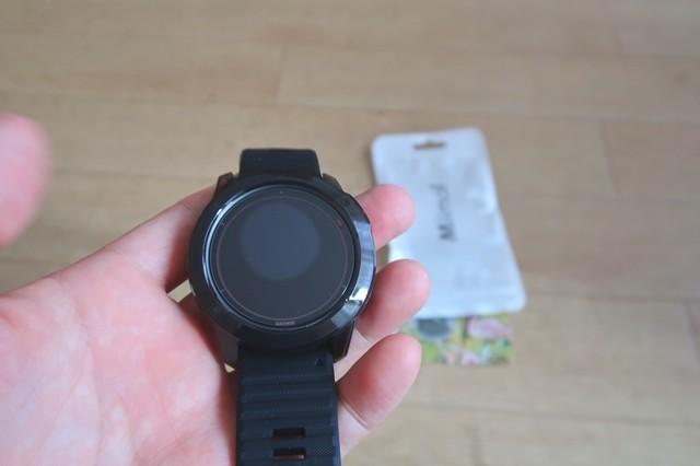 専用保護ケースをガーミンの腕時計に付けた状態