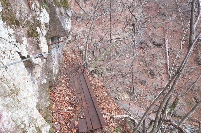 三つ峠北口登山道の核心部