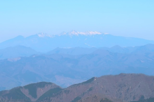 開運山の山頂から八ヶ岳景色