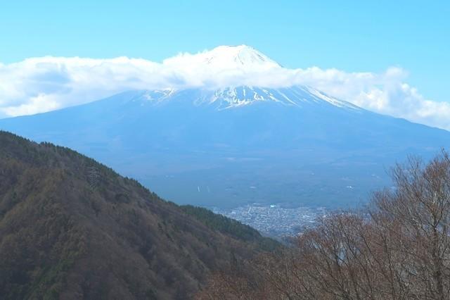 太宰治文学碑からの富士山景色