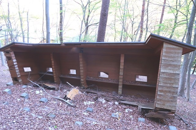 グリーンロッジ野鳥観察建屋