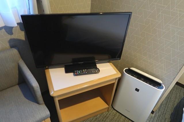 パークイン富山の備品液晶テレビと空気清浄機