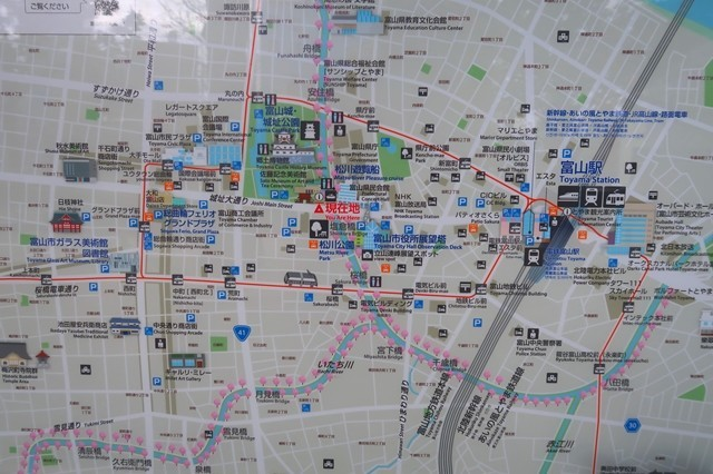 富山城周の有料駐車場の場所