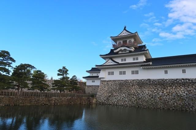 富山城とお堀の写真