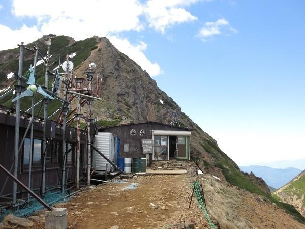 赤岳展望荘と赤岳・赤岳頂上山荘