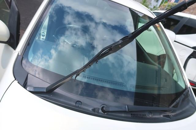 実際に車のワイパー替えゴムを変えた時の写真