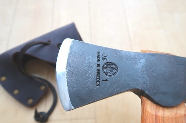 ハルタホースの斧の刃のアップ