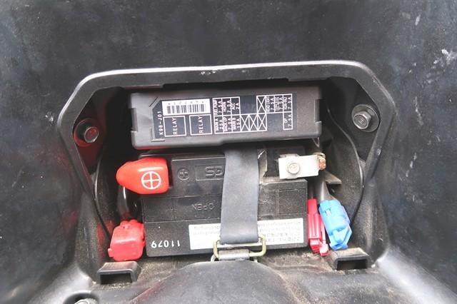 ホンダPCXのバッテリーの場所