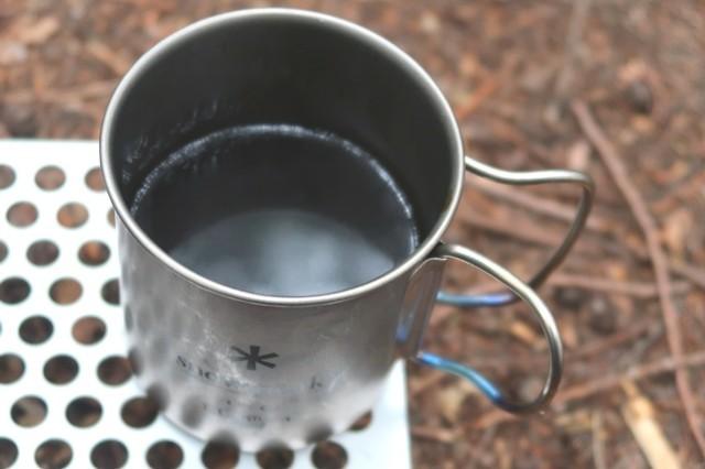 キャンプのコーヒータイム