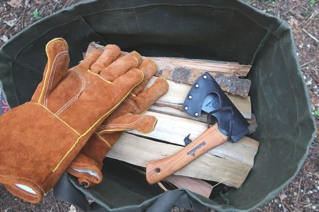 キャンプで残った薪の様子