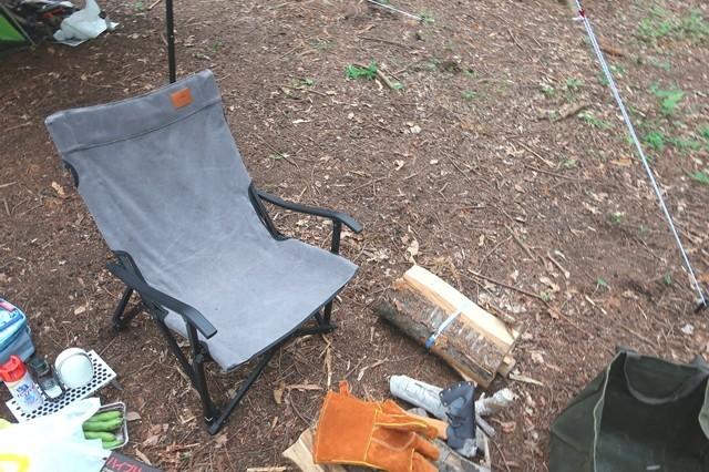 キャンピングムーン焚き火チェアーとキャンプ道具一式