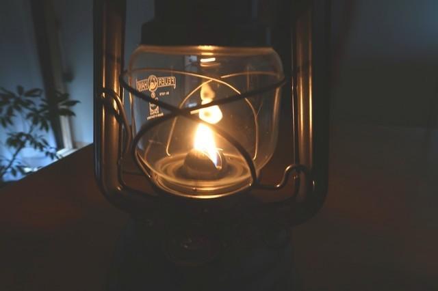 >癒しのランタンの光